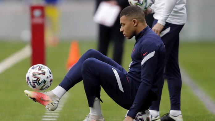 Fans Come to Enjoy Football - Mbappe