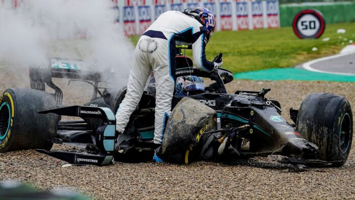 George Russell and Valtteri Bottas crashed